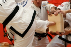 tae-kwon-do-board-breaking